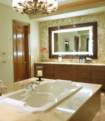 Momentum Lighted Mirror by Electric Mirror