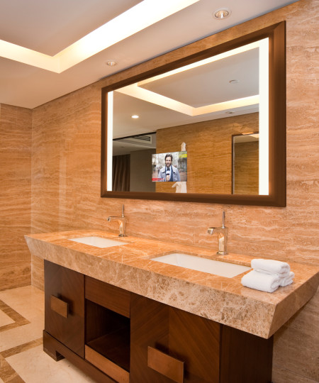 Ovation Lighted Mirror TV-feature image