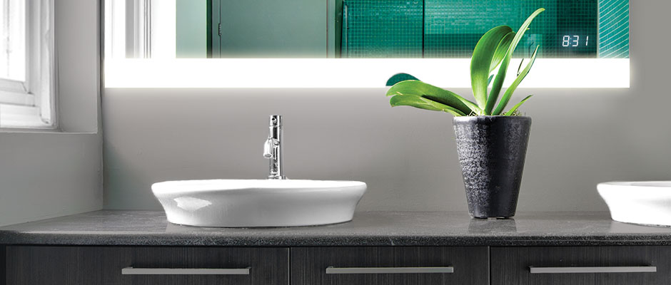 Seamless-Clock-in-Lighted-Mirror-with-sinks