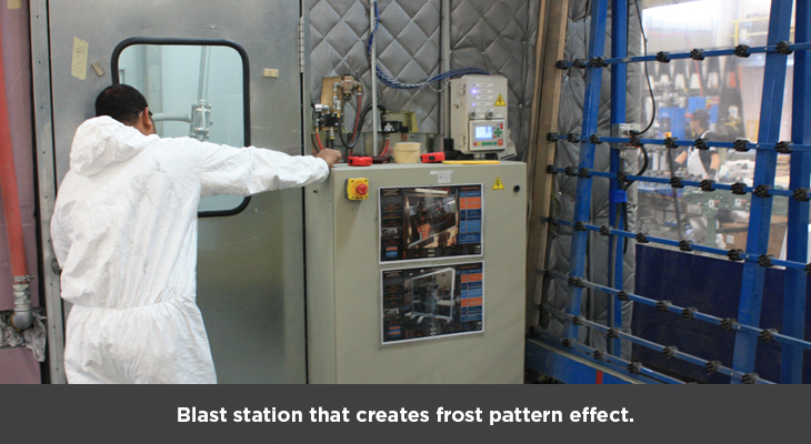 Blast station that creates frost pattern effect